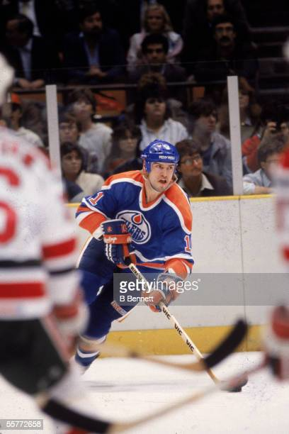 Canadian professional hockey player Mark Messier of the Edmonton Oilers in action during a road game against the New Jersey Devils at Brendan Byrne...