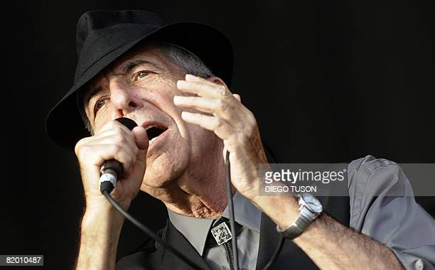 Canadian singer Leonard Cohen performs during the international Festival of Beincassim on July 20 2008 AFP PHOTO/DIEGO TUSON