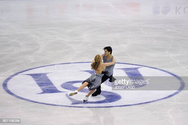 Canadian skaters Kaitlyn Weaver and Andrew Poje compete during the Dance Free skating program at the ISU Grand Prix of Figure Skating Final 2015 in...
