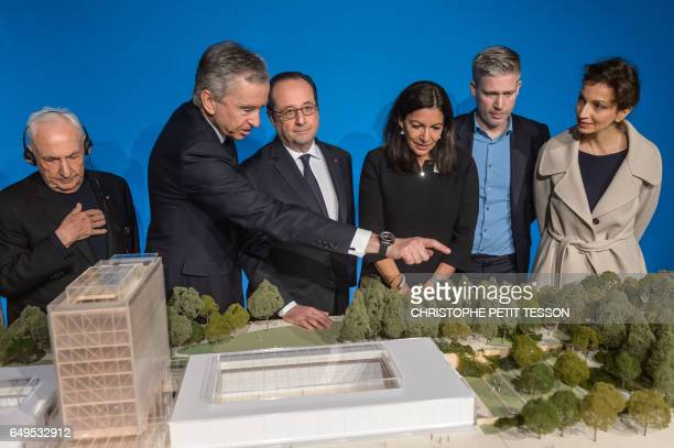 CanadianAmerican architect Frank Gehry CEO of LVMH Bernard Arnault French president Francois Hollande Paris' mayor Anne Hidalgo and French Culture...