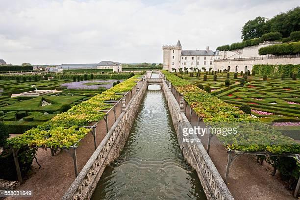Canal Between The Gardens Of The Chateau De Villandry Villandry IndreEtLoire France