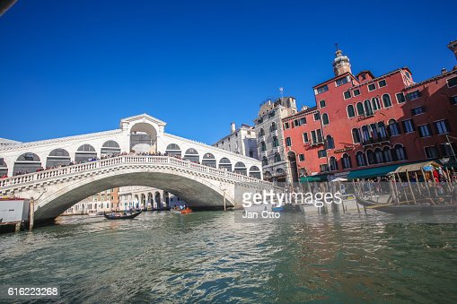 Canale Grande and Rialto Bridge in Venice, Italy : Stock Photo