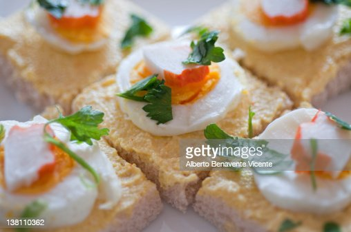 canapes de cangrejo stock photo getty images