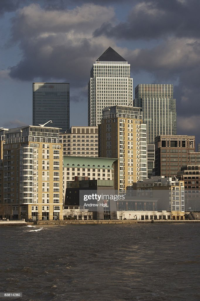 Canary Wharf buildings skyline Londo
