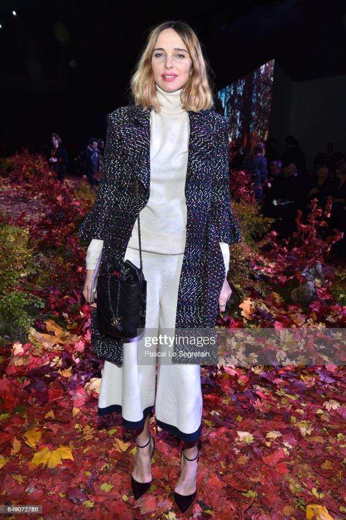 Moncler Gamme Rouge: Front Row  - Paris Fashion Week Womenswear Fall/Winter 2017/2018
