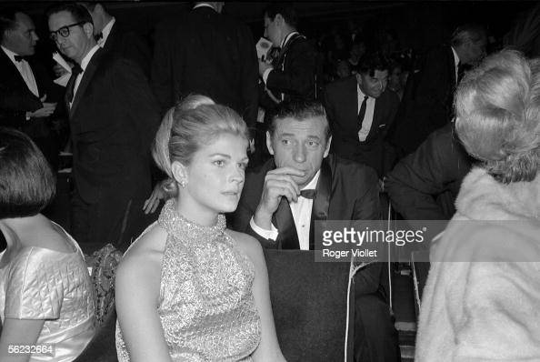 Candice Bergen and Yves Montand at the premiere of 'Vivre pour Vivre' by Claude Lelouch France 1967 HA1782