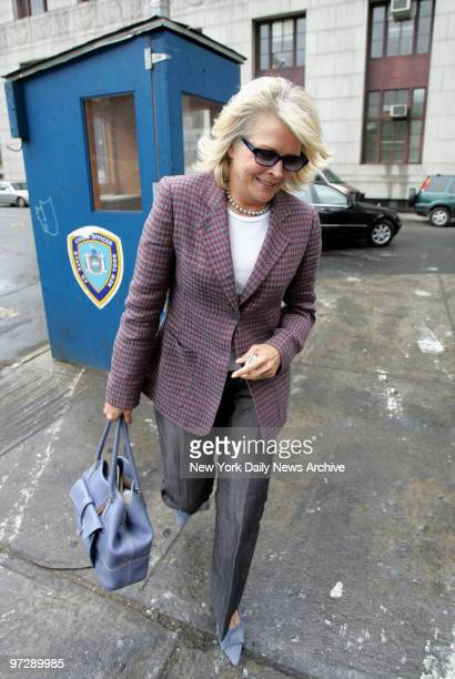Candice Bergen heads into Manhattan Criminal Court through a service entrance at the 100 Centre St building The actress testified to a grand jury...