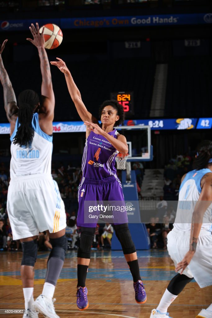 <a gi-track='captionPersonalityLinkClicked' href=/galleries/search?phrase=Candice+Dupree&family=editorial&specificpeople=537818 ng-click='$event.stopPropagation()'>Candice Dupree</a> #4 of the Phoenix Mercury shoots the ball against the Chicago Sky on July 11, 2014 at the Allstate Arena in Rosemont, Illinois.
