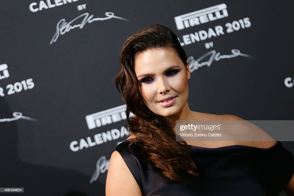 <a gi-track='captionPersonalityLinkClicked' href=/galleries/search?phrase=Candice+Huffine&family=editorial&specificpeople=6697960 ng-click='$event.stopPropagation()'>Candice Huffine</a> attends the 2015 Pirelli Calendar Red Carpet on November 18, 2014 in Milan, Italy.