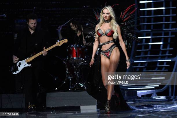 Candice Swanepoel walks the runway at the 2017 Victoria's Secret Fashion Show In Shanghai Show at MercedesBenz Arena on November 20 2017 in Shanghai...
