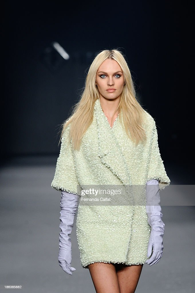 <a gi-track='captionPersonalityLinkClicked' href=/galleries/search?phrase=Candice+Swanepoel&family=editorial&specificpeople=4357958 ng-click='$event.stopPropagation()'>Candice Swanepoel</a> walks the runway during Forum show at Sao Paulo Fashion Week Winter 2014 on October 30, 2013 in Sao Paulo, Brazil.