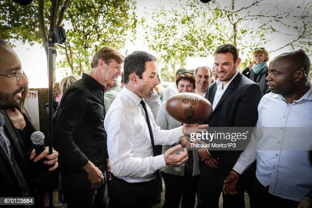 Candidate of the Socialist Party for the 2017 French Presidential Election Benoit Hamon visits a farm in an area between Bordeaux and Toulouse on...