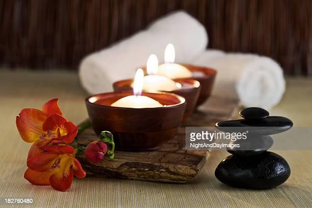 Velas de massagem pedras e Flor de Zen Spa