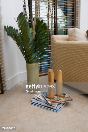 Candlestick holders on magazines : Foto de stock