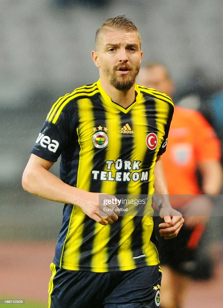 <a gi-track='captionPersonalityLinkClicked' href=/galleries/search?phrase=Caner+Erkin&family=editorial&specificpeople=5127933 ng-click='$event.stopPropagation()'>Caner Erkin</a> of Fenerbahce SK in action during the Turkish Super League match between Besiktas and Fenerbahce at the Ataturk Olympic Stadium on April 20, 2014 in Istanbul,Turkey.