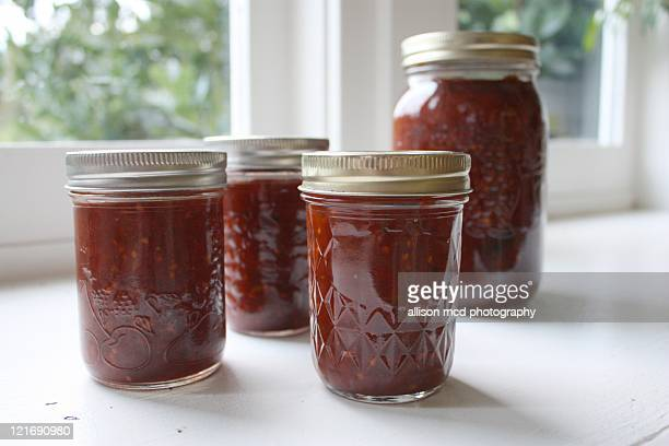 Canned red chili sauce