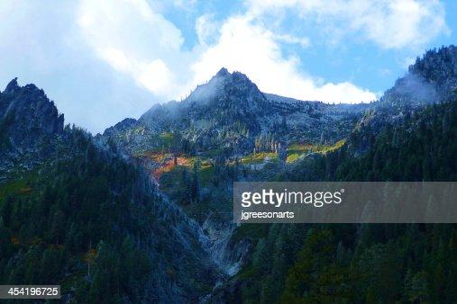 Canyon Creek Mountain Pass : Stock Photo