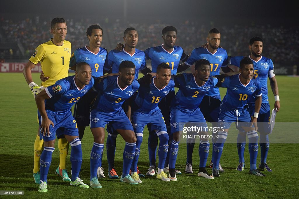 Cap Verde's squad (top L-R) goalkeeper Josimar Vozinha, forward Kuca, defender Gege, forward Djaniny, midfielder Calu, midfielder Babanco, (bottom L-R) defender Carlitos, defender Fernando Varela, midfielder Nuno Rocha, defender Stopira and forward Heldon pose for a group picture ahead of the 2015 African Cup of Nations group B football match between Tunisia and Cape Verde in Ebebiyin on January 18, 2015. AFP PHOTO / KHALED DESOUKI