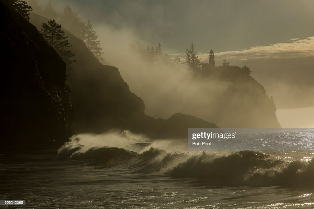 Cape Disappointment Lighthouse on foggy morning