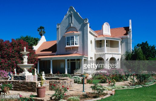 Cape dutch style house karoo foto de stock getty images for Dutch style homes