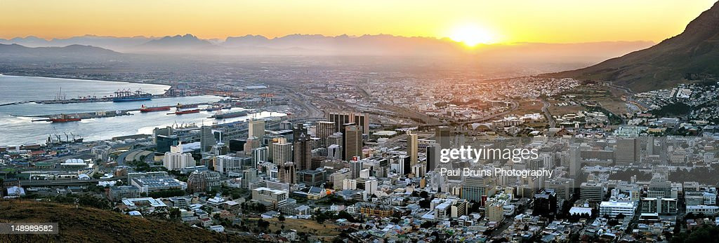 Cape Town during summer sunrise