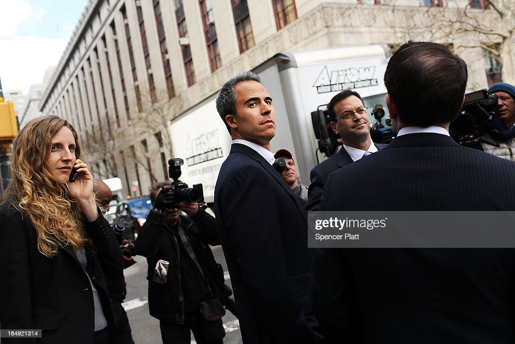 Capital Advisors portfolio manager Michael Steinberg (C) walks out of a New York courthouse after being charged by U.S. prosecutors with engaging in insider trading on March 29, 2013 in New York City. Federal Bureau of Investigation (FBI) agents arrested Steinberg at his home in New York City at around 6 a.m. on charges of using inside information to make trades in shares of chipmaker Nvidia Corp and Dell Inc.