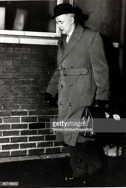 Capital Punishment Harry Allen once a publican now the chief hangman England 1965