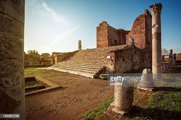 Capitolium Tempio al sito archeologico di Ostia Antica