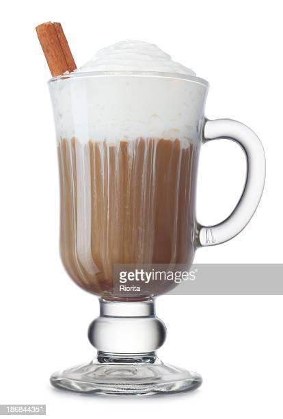 Cappuccino in Glas-Becher