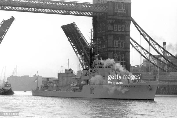 HMS Caprice the only destroyer in the Royal Navy still at sea that saw active service in WWII arrives under Tower Bridge here this morning for a...