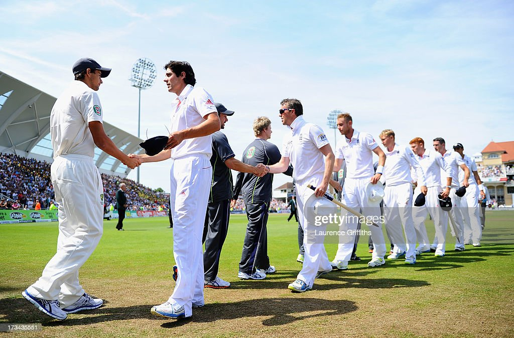 Captain <a gi-track='captionPersonalityLinkClicked' href=/galleries/search?phrase=Alastair+Cook+-+Cricketspieler&family=editorial&specificpeople=571475 ng-click='$event.stopPropagation()'>Alastair Cook</a> of England shakes hands with <a gi-track='captionPersonalityLinkClicked' href=/galleries/search?phrase=Ashton+Agar&family=editorial&specificpeople=9101391 ng-click='$event.stopPropagation()'>Ashton Agar</a> of Australia after day five of the 1st Investec Ashes Test match between England and Australia at Trent Bridge Cricket Ground on July 14, 2013 in Nottingham, England.