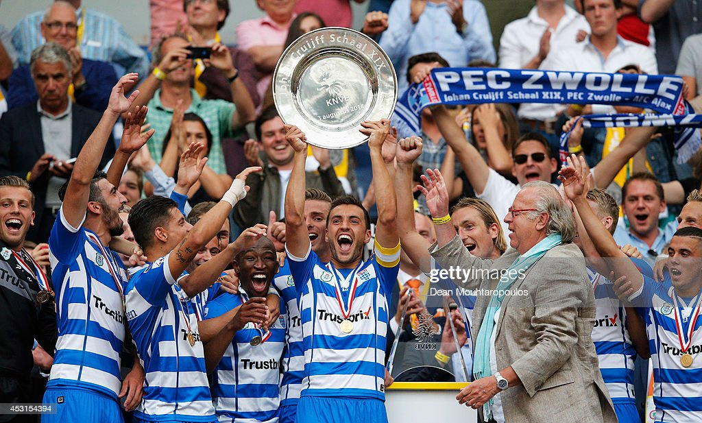 Captain Bram van Polen of Zwolle lifts the trophy after winning the 19th Johan Cruijff Shield match between Ajax Amsterdam and PEC Zwolle at the...