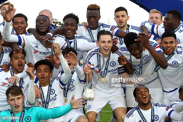 Captain Charlie Colkett and his teammates of Chelsea FC celebrate victory with the UEFA Youth League trophy after the UEFA Youth League Final match...