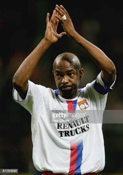 Captain Claudio Cacapa Of Lyon Applauds The Crowd Following Defeat Picture Fbl Fra Rennes Champions
