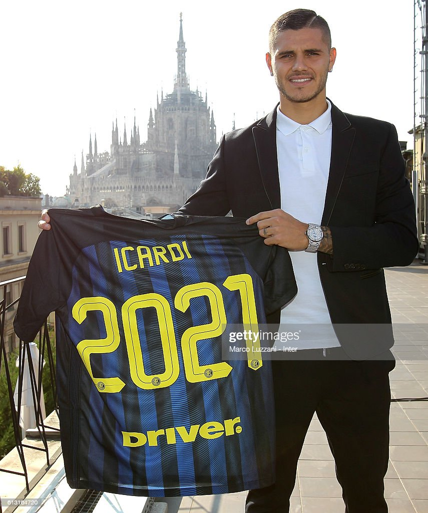 Mauro Icardi Signs a New Contract at FC Internazionale s and