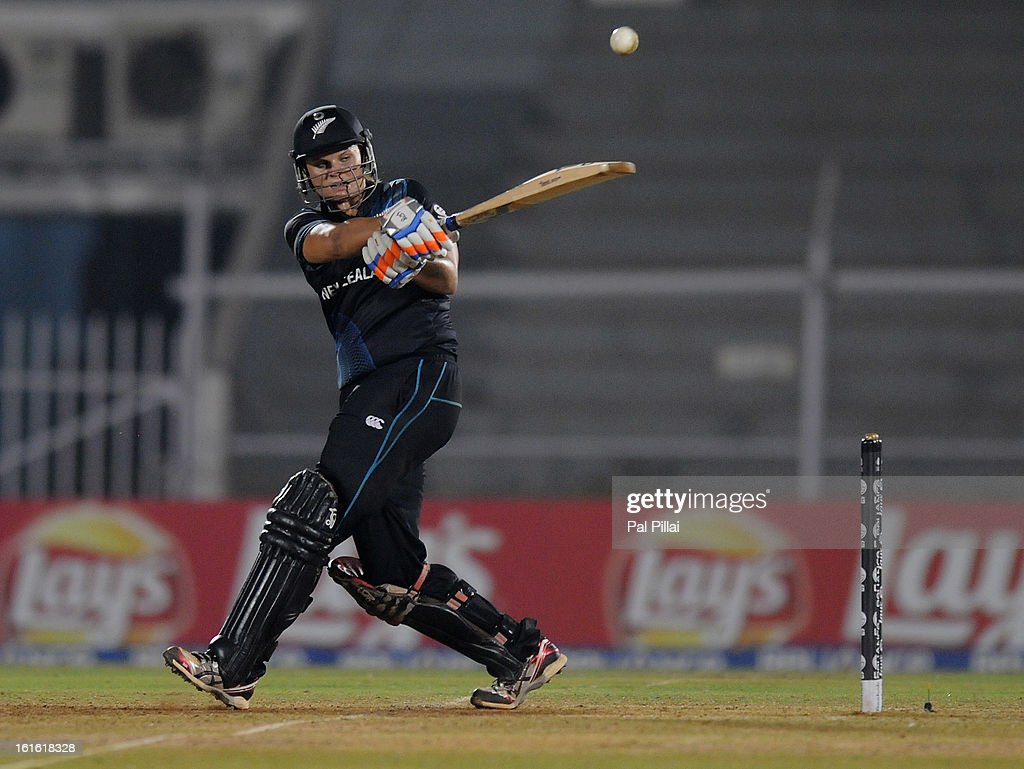 Captain of New Zealand Suzie Bates bats during the Super Sixes match between England and New Zealand held at the Cricket Club of India ground on February 13, 2013 in Mumbai, India.