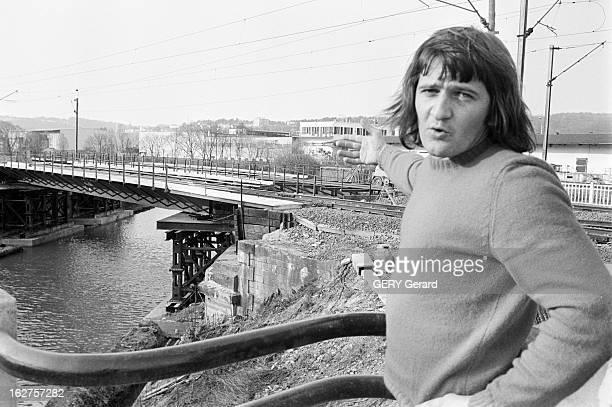 Car Crash In Bar Le Duc En avril 1976 en France à Bar Le Duc Gérard GASSON tombe en panne sur une passage à niveau avec sa vieille traction avant une...