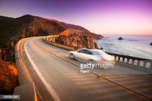 De traverser le pont de Bixby, Big Sur, Californie, États-Unis