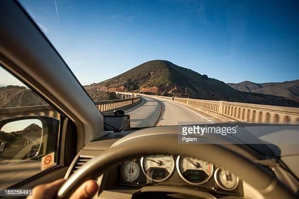 - Kreuzung der Bixby Bridge, Big Sur, Kalifornien, USA