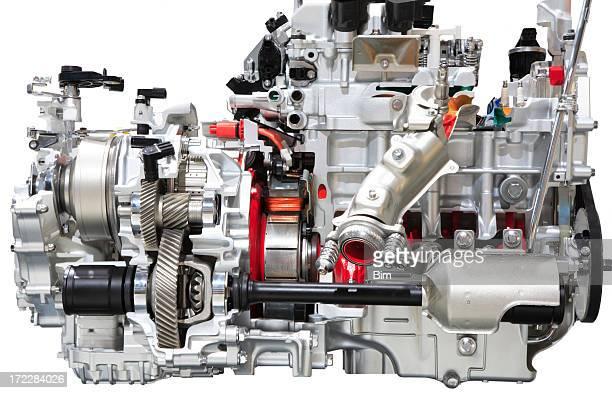 自動車エンジン、白で分離