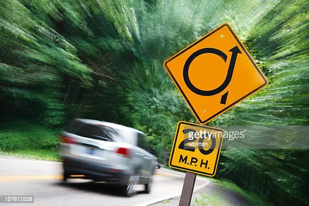 De introduzir Curva Acentuada em uma Estrada de montanha