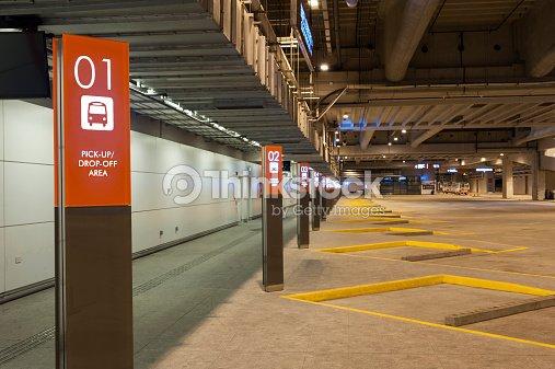 Parc de stationnement photo thinkstock for Stationnement devant garage sans panneau