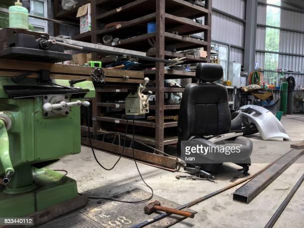 Car service procedure in traditional old repair garage
