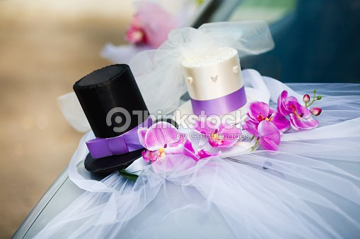 Car Wedding Decorations With Tulle Two Top Hats And Flowers Stock