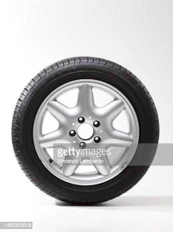 Car wheel, white background : ストックフォト