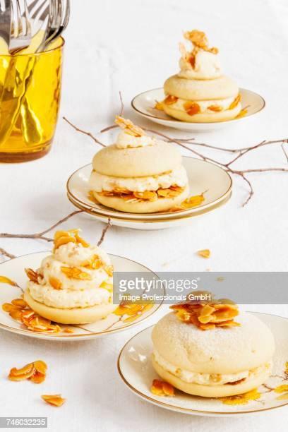 Caramelised almond whoopie pie