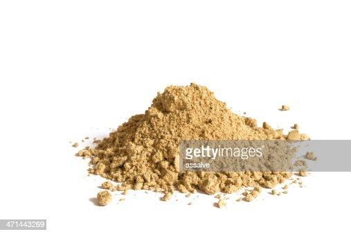 cardamom spice heap