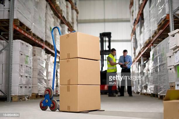 Boîtes en carton de la main de camion