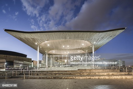 Cardiff Bay, the exterior of the Senedd (National Assembly Building, Richard Rogers architect) : Stockfoto