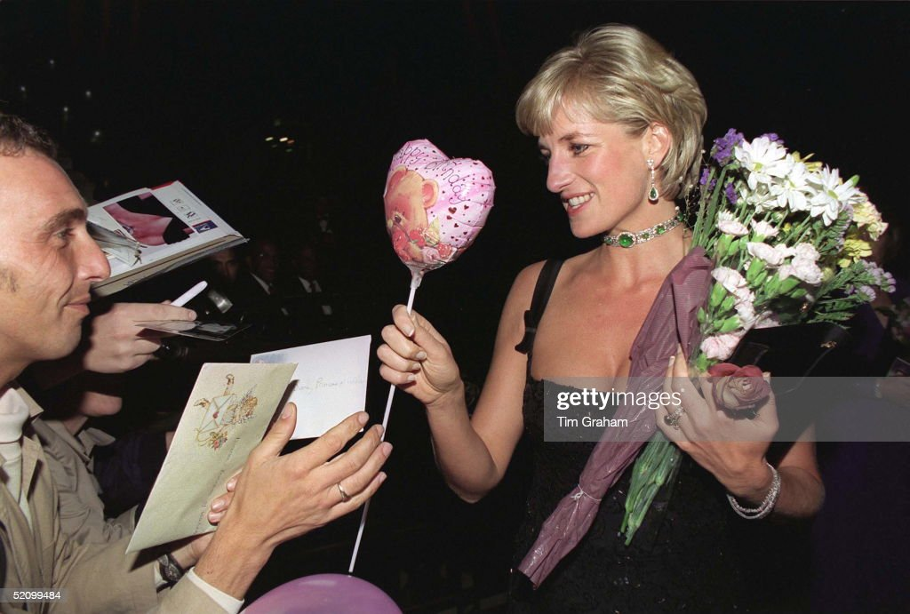 Cards And Balloons For Diana, Princess Of Wales At The Tate Gallery On Her 36th Birthday On (1st July 1997) For A Gala To Celebrate The Tate's 100th Birthday. She is Wearing A Black Evening Dress By Jacques Azagury.